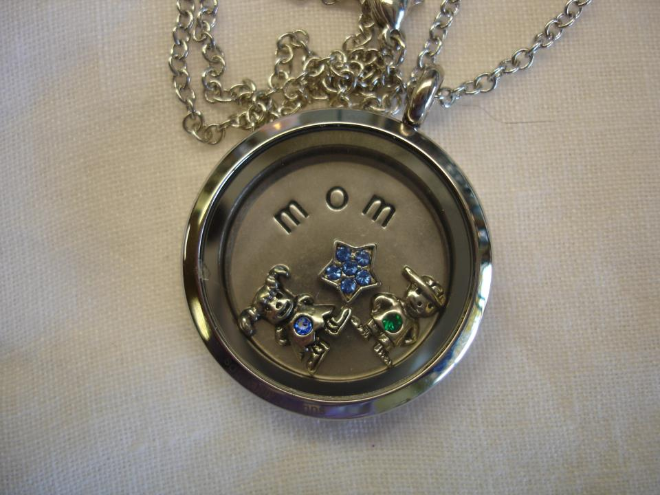 for helpful mom necklace floating rated grandma reviews unique s amazon mothers com women gifts in best perfect pcr charm customer gift lockets locket